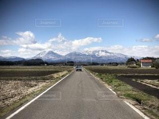 真っ直ぐな道の写真・画像素材[2017944]