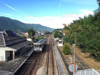 夏のとある駅の写真・画像素材[1590017]
