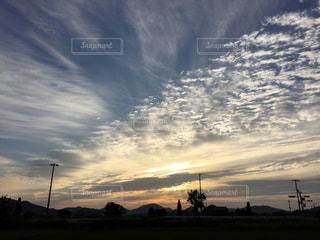 空には雲のグループの写真・画像素材[774413]