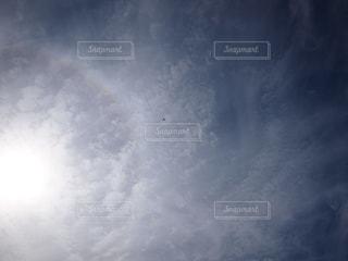 近くに空には雲の上の写真・画像素材[921932]