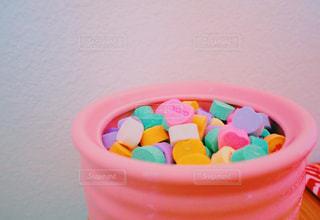 小さなプラスチック製のコップ - No.987209