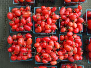 近くに多くの種類の果物や野菜の - No.1088881