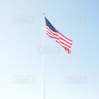 晴れた日のアメリカの旗・国旗の写真・画像素材[1128047]