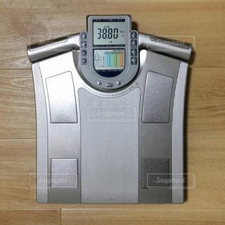 ダイエット 体重計 体重 女性の写真・画像素材[1287005]