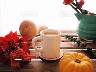 コーヒーブレイク 秋 食欲の秋 かぼちゃ 実りの秋 バターナッツかぼちゃ パンプキンツリーの写真・画像素材[1501029]