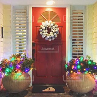 クリスマス デコレーション 玄関 ドア おしゃれの写真・画像素材[1533853]