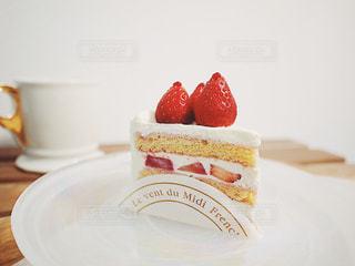 フレンチ パウンド ハウス イチゴ ショートケーキの写真・画像素材[1833348]