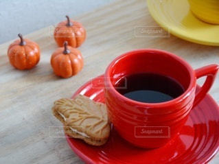 おうちカフェ コーヒー クッキー リラックスの写真・画像素材[2487686]