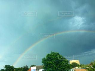 空に虹の写真・画像素材[1288865]