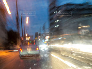 予定通り車のぼやけた画像の写真・画像素材[1803365]