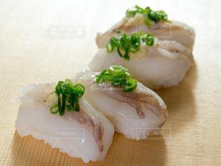 烏賊のにぎり寿司の写真・画像素材[1806176]