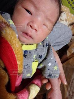 赤ちゃんのウインクの写真・画像素材[1761829]