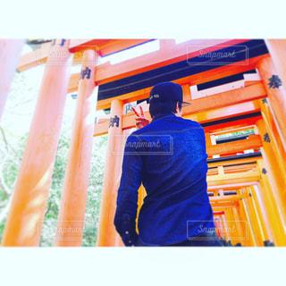 モデル,空,京都,太陽,青,日光,Instagram,オレンジ,背中,門,インスタグラム,稲荷神社,ume.chan*⌘