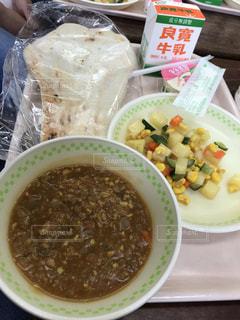 今時の学校給食の写真・画像素材[2779780]