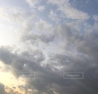 空の雲の群の写真・画像素材[2820472]