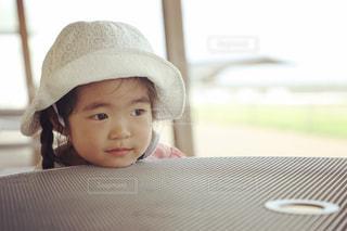 帽子をかぶった赤ちゃんの写真・画像素材[712964]