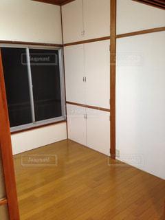 築古アパートの室内の写真・画像素材[393548]