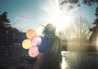 風船と光の写真・画像素材[1046254]