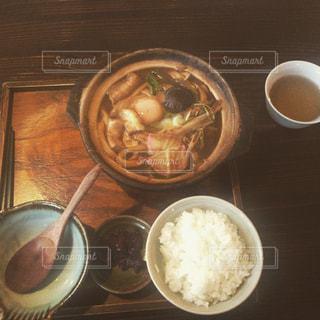 食品とコーヒーのカップのプレートの写真・画像素材[848009]