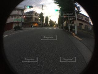 街の通りに信号機の写真・画像素材[726618]