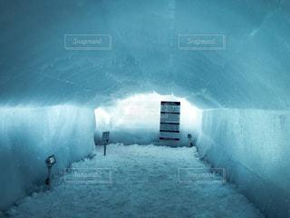 氷のトンネルの写真・画像素材[1656068]