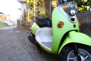 緑色のバイクの写真・画像素材[901860]