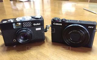 新旧コンパクトカメラの写真・画像素材[943421]