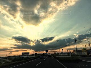 曇りの日の都市の景色の写真・画像素材[753967]