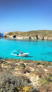 マルタ島に浮かぶ船の写真・画像素材[1409307]