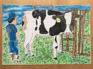 近くに牛のアップの写真・画像素材[1636277]