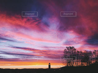 ワインレッドの夕の写真・画像素材[407773]