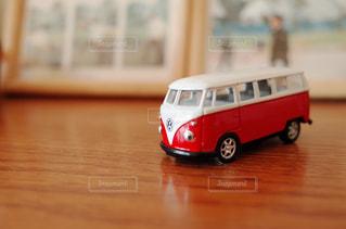 おもちゃのワーゲンバスの写真・画像素材[1090852]