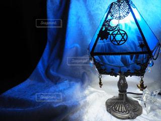 スタンドグラスのランプの写真・画像素材[1815869]
