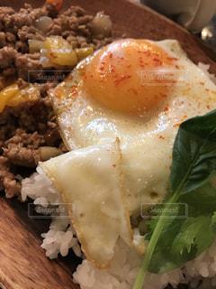 卵とろーりガパオライスの写真・画像素材[727576]