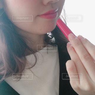 リップをぬる女の子の写真・画像素材[2928538]
