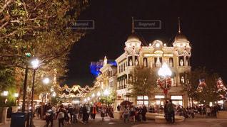 夜の街の景色の写真・画像素材[899876]