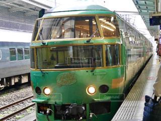 オシャレな電車 - No.753097