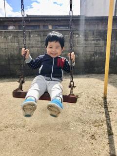 公園でいい笑顔の写真・画像素材[2069625]