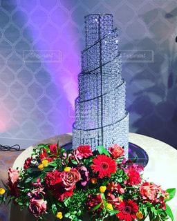 テーブルの上の花の花瓶の写真・画像素材[894929]