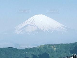 雪の覆われた山々 の景色の写真・画像素材[966645]