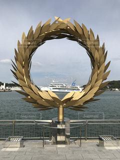 モニュメントの中の船の写真・画像素材[819893]
