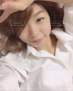 白いシャツの女 - No.923808