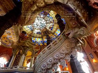 ステンドグラスが綺麗なタイのミュージアムの写真・画像素材[1107539]