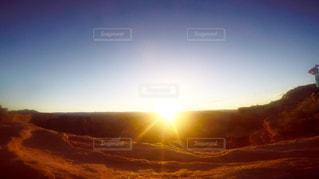 夕焼けのクローズアップの写真・画像素材[2270509]