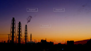 夕暮れ時の都市の景色の写真・画像素材[931232]