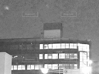 大きな白い建物の写真・画像素材[759897]