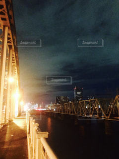 夜の橋〜大阪の写真・画像素材[769994]