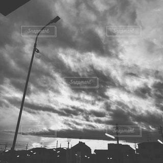 空には雲のグループの写真・画像素材[925293]