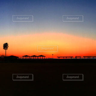 #日本 #長崎 #小浜 #小浜温泉 #いつの日かの #夕日 #夕陽 #夕焼け #夕焼け空 #サンセット #シルエット #ヤシの木 #足湯 #日本一長い足湯 #japan #nagasaki #obama #sunset #sun #sky #sunsetsky #orangesky #sea #wave #orange #art #scenary #iPhoneクオリティ - No.441248