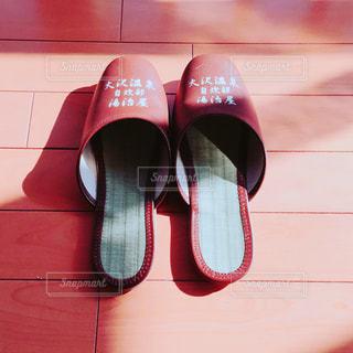 赤い靴のペアの写真・画像素材[1019861]